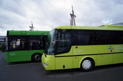 Informační akce a představení nových autobusů DÚK - OC Olympia 11. prosince 2014 - SOR CN 12.3(#711) a Solaris Urbino 15.
