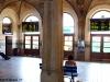 Velká historická odbavovací hala stanice.