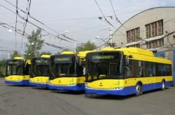 Všechny 4 nové vozy při předání 20. 9. 2010, ve vozovně VTT.