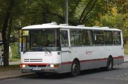 Zapůjčený autobus Karosa B931E.1703 (ex. VT Praha #1082, v Teplicích s #967) Dne 1. 10. 2012 v zastávce Pražská na výlukové lince X1 do Prosetic.