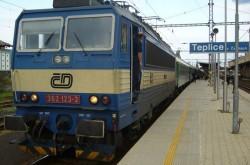 Vlak ve stanici Teplice v Čechách